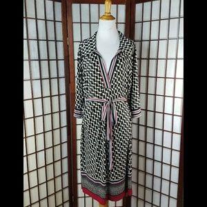 Geometric  Pull Up Sleeve Tie Waist/Belted Dress